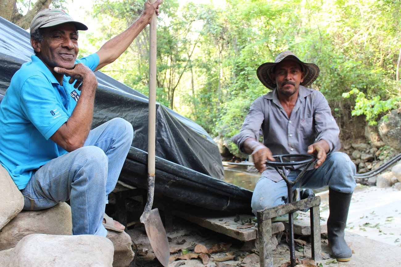 Farmers using the El Triángulo irrigation system no longer have to make their own repairs.